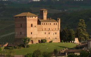 Il-Castello-di-Grinzane-Cavour Unesco langhe Barolo Winelovers.shop